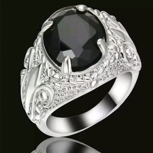 Jewelry - GORGEOUS RING NEW
